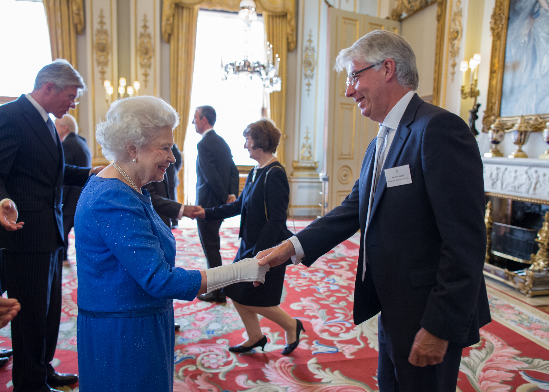 Managing Director Ian Smith meets HRH Queen Elizabeth